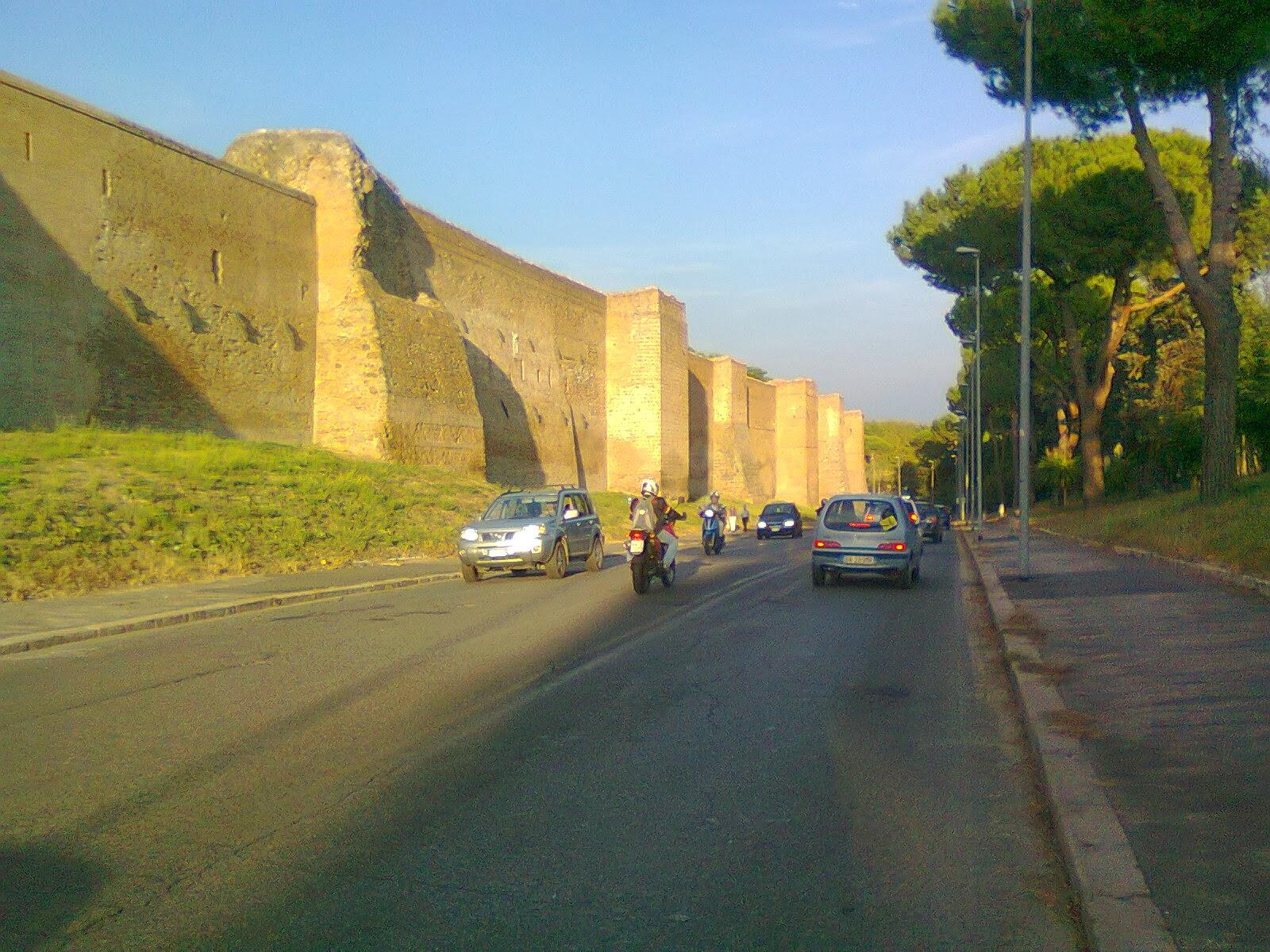 In bici per roma la rivoluzione verde di milano pu - Via di porta ardeatina ...