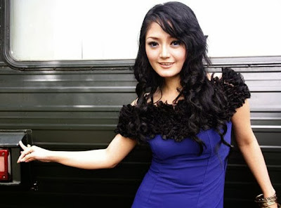 kunci gitar dan lirik lagu Siti Badriah Bara Bere