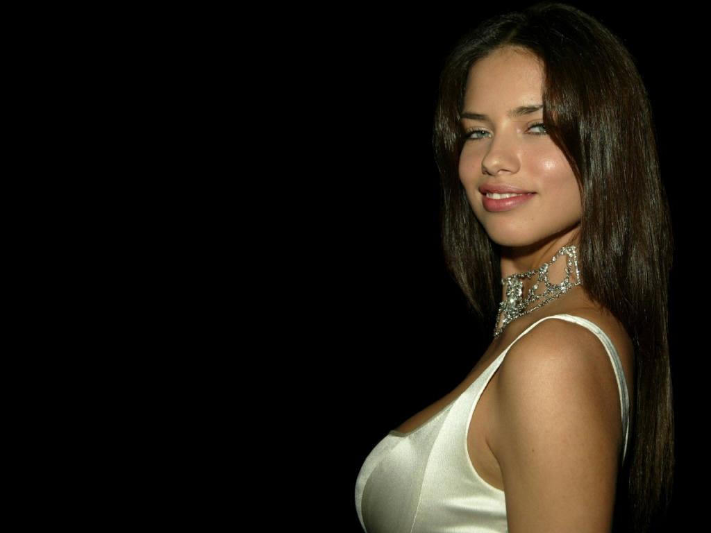 http://2.bp.blogspot.com/-LVKX-GQo1Jo/T7G7xjkbD7I/AAAAAAAAA2Y/92ysDag1bAI/s1600/Adriana-Lima-5.JPG