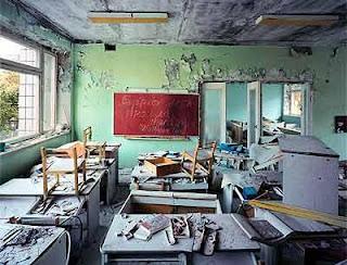 http://cirebon-cyber4rt.blogspot.com/2011/11/daftar-7-kota-mati-paling-seram-di.html