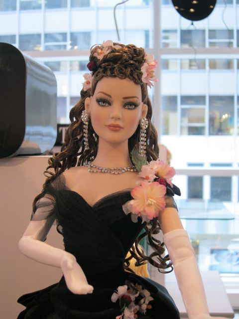 Tonner-Anna-Karenina-Doll