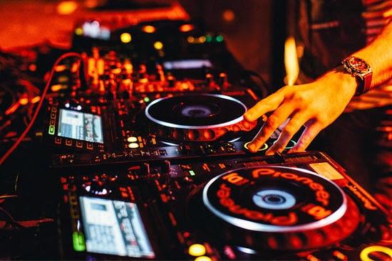 Nhạc Vũ Trường (Album 1 DJ HTM 2010) - DJ HTM