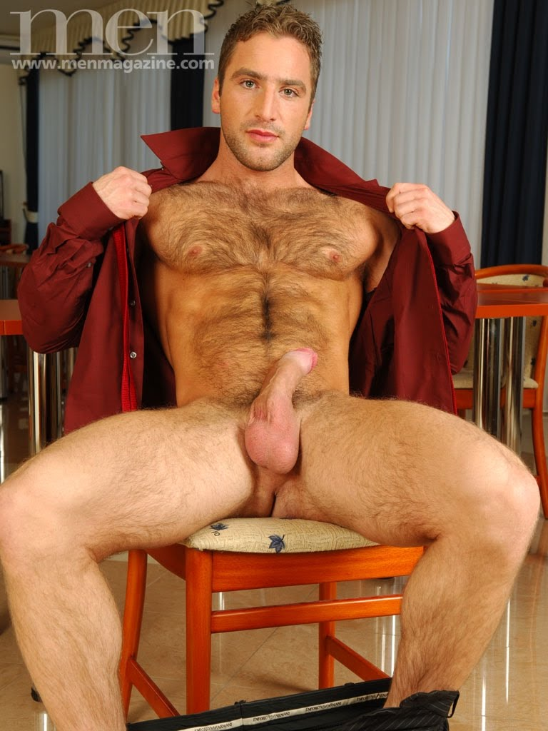 Hombres desnudos y discapacitados