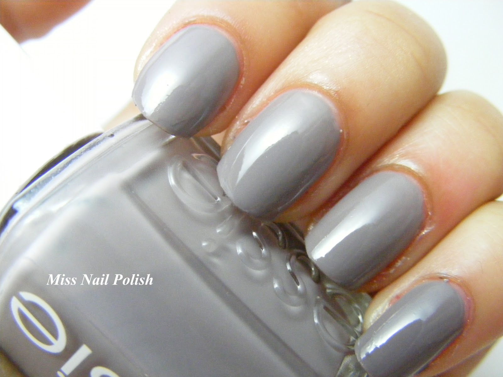 Miss Nail Polish: Essie Chinchilly