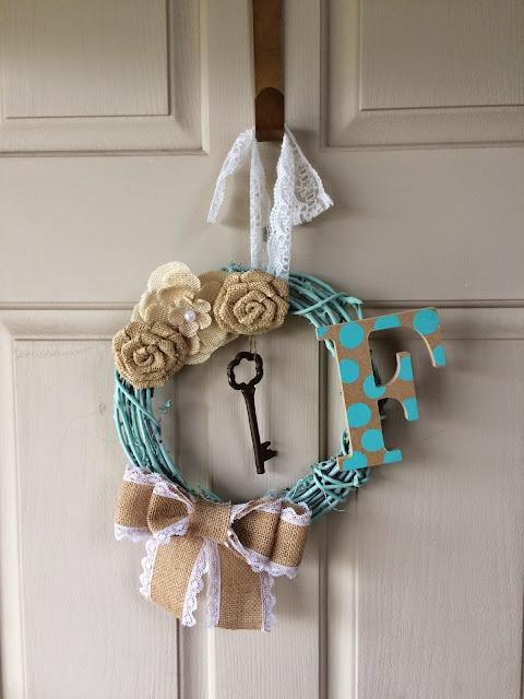 Monogrammed Door Wreath, DIY, Craft, How to Make a door Wreath with monogram, Vintage door wreath, burlap door wreath