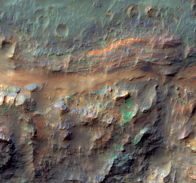 NASA MRO IMAGE OF MARS: SEDIMENTARY DEPOSITS ON THE FLOOR OF RITCHEY CRATER