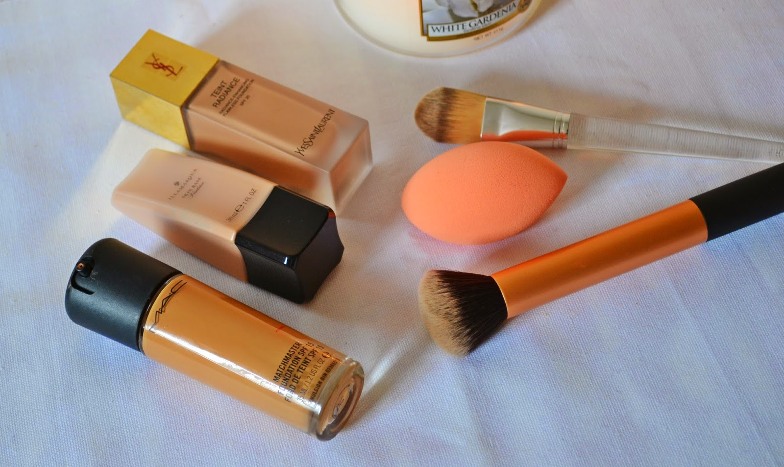 Tools to perfectly apply your foundation - Aspiring Londoner