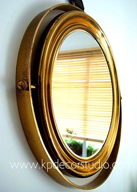 Espejos vintage dorados de los 50 y 60. Espejo basculante con sujeción de cuero
