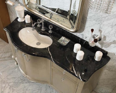 Bathroom With Classic Square Mirror From Lineatre