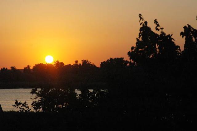 закат в днепровских плавнях