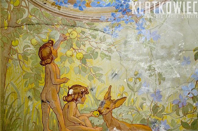 Radom: malowidło w kamienicy z dziećmi i sarenką