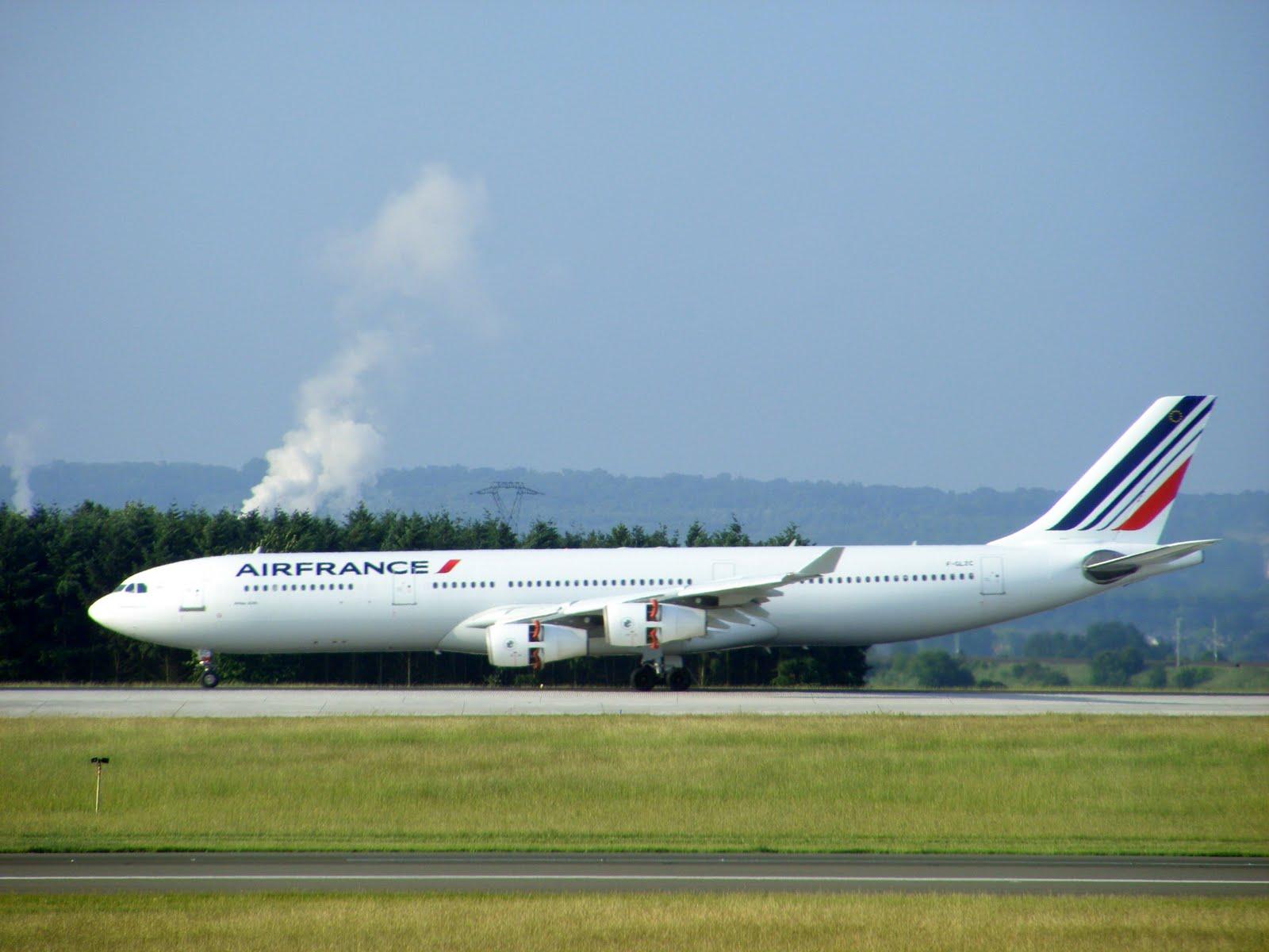 http://2.bp.blogspot.com/-LXP-HE3CT5w/Tc984-G5ThI/AAAAAAAADa8/zVSQaMkrVWU/s1600/Air_France_Airbus_A340-311_F-GLZC_%40_Paris_Orly.jpg