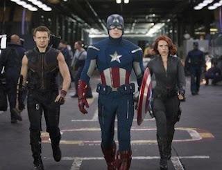 Os Vingadores - Gavião Arqueiro, Capitão América e Viúva Negra