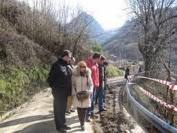 http://valle-sajambre.blogspot.com.es/2012/02/isabel-carrasco-visita-las-obras-en-las.html