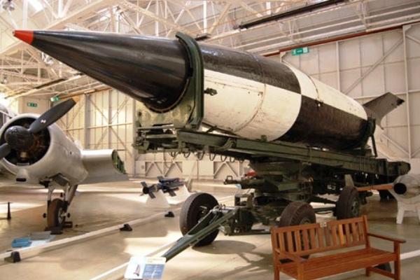 Roket V-2 rancangan Wernher von Braun