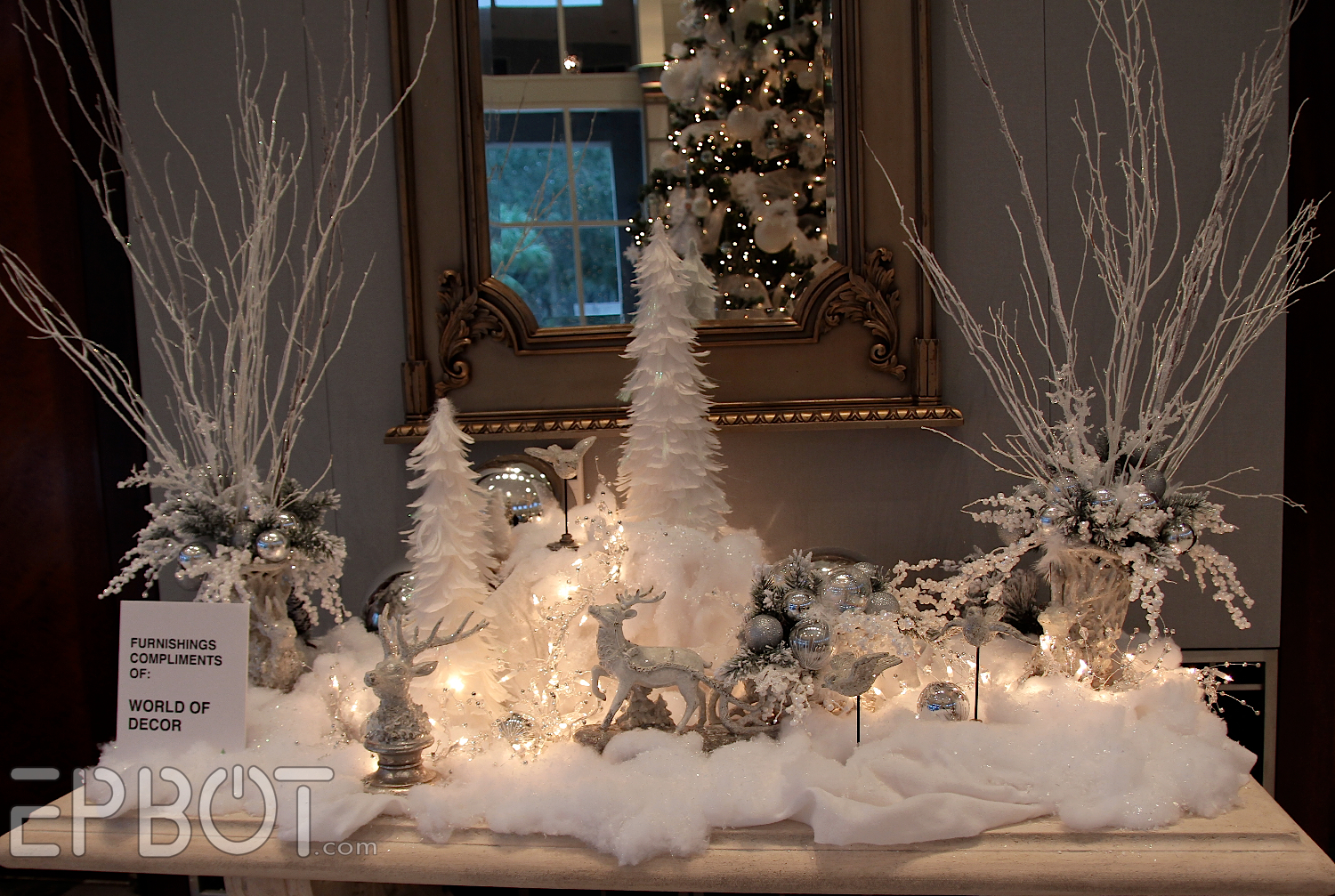 on white spray paint and silver ornaments pronto i wonder if i can. Black Bedroom Furniture Sets. Home Design Ideas