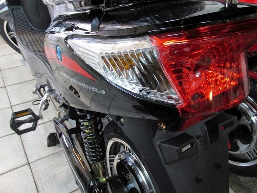 Moto Electrica Luz Trasera y Suspension