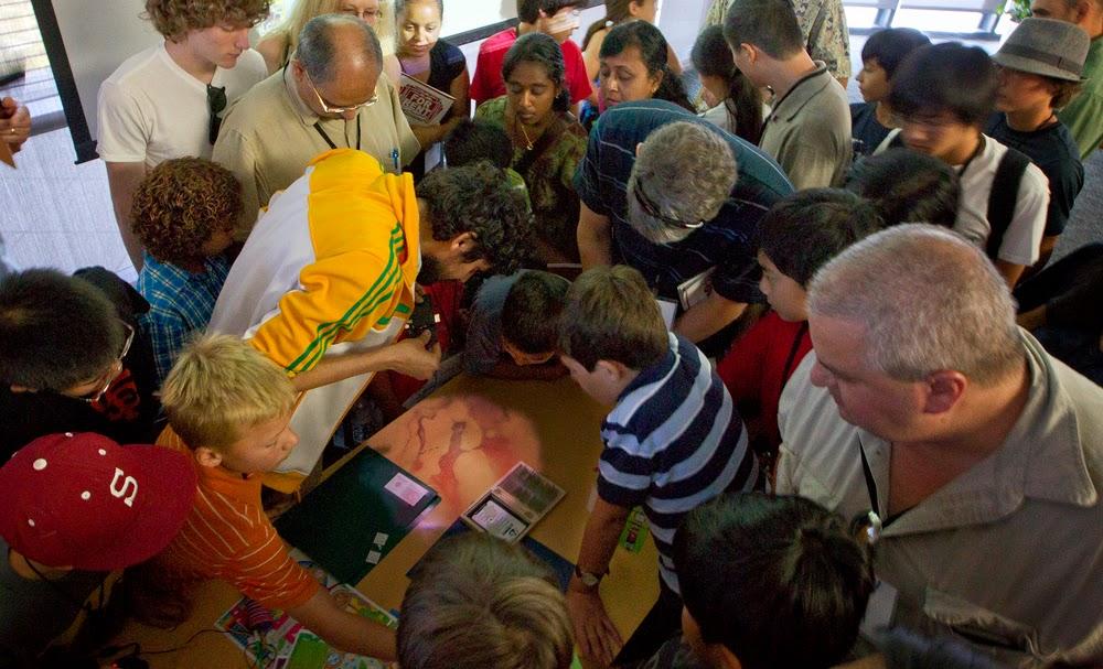 07-Manu-Prakash-50-Cent-Paper-Microscope-www-designstack-co