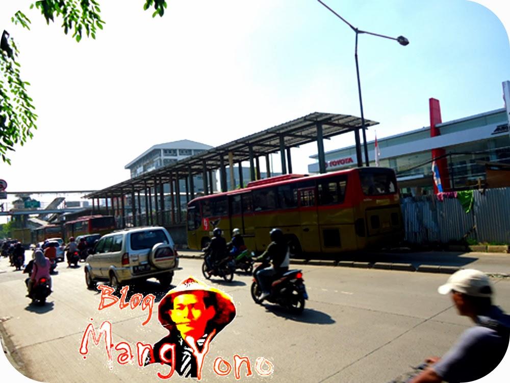 Transjakarta halte Indosiar, Daan Mogot
