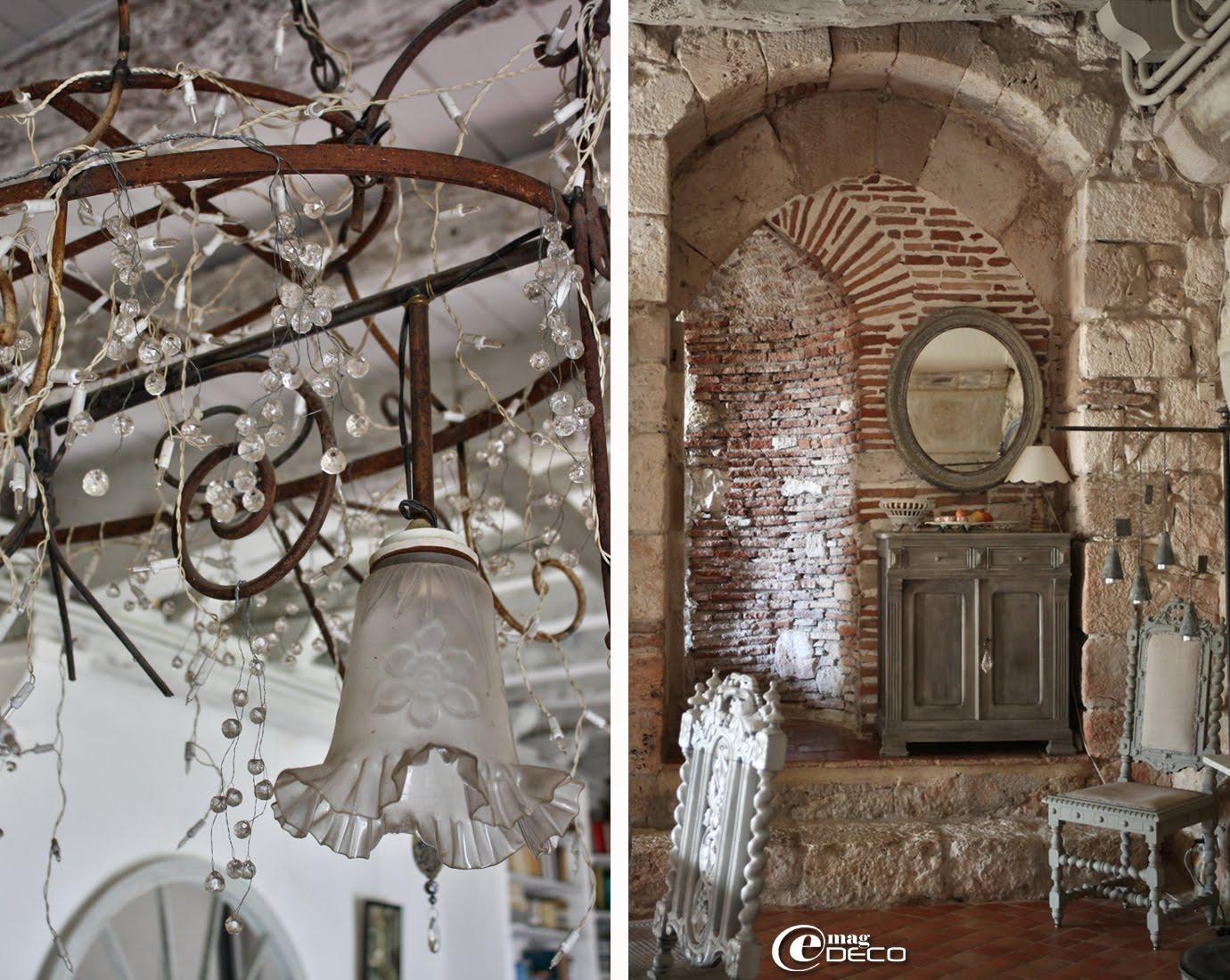 Lustre que Nathalie Guigné a créé à partir d'une ancienne structure de berceau en fer