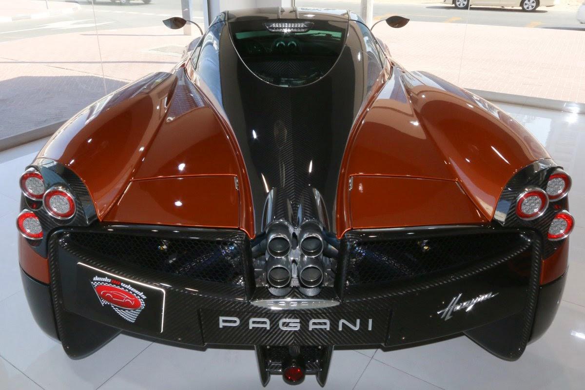 pagani huayra صور سيارات: باجاني هواير التي عرضت في معرض سيارات الدولي بجنيف في عام 2011