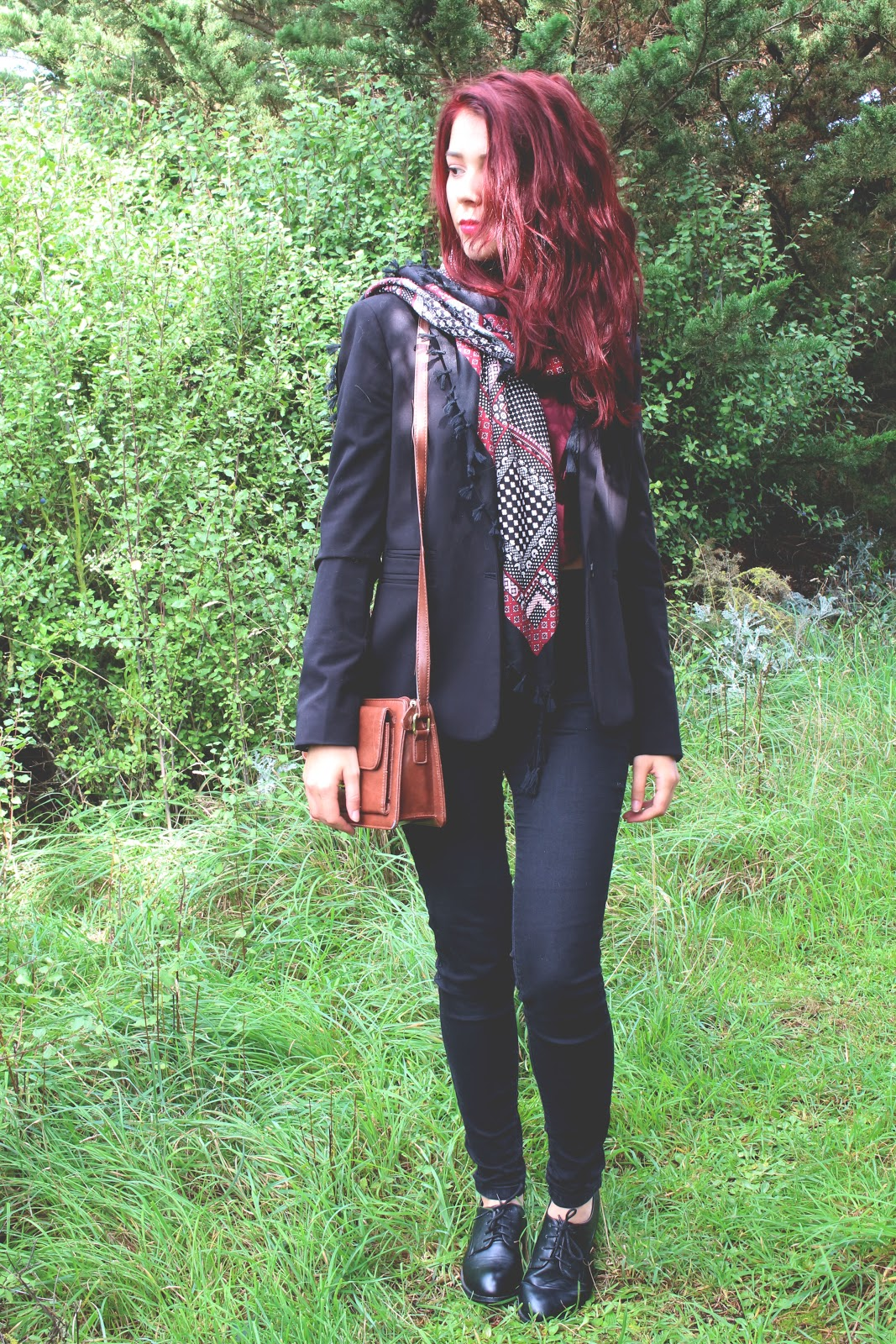 Save the friday, blogueuse, enjoyk, outfits, ootd, tenue, bordeaux, red hair, stradivarius, blazer, mango, urban outfitters, brandy melville, derby, classe, chic