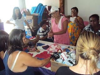 ONG DCM confecciona corações para a Ação do Coração 2013
