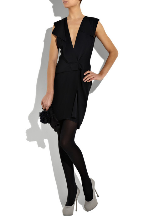 What Color Hosiery Do I Wear With A Little Black Dress