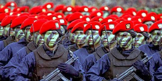 Kopassus Kukuhkan 110 Personel Baru di Puncak Gunung Lawu