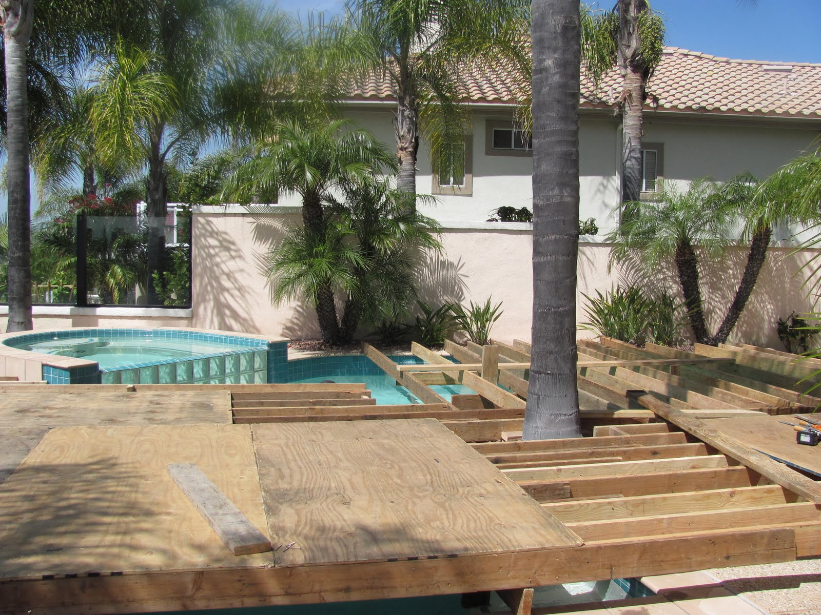 stareventproductions turn your swimming pool into a dancefloor or