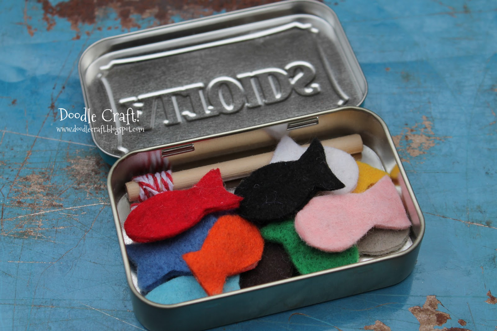 Doodlecraft pocket sized magnetic fishing set in altoids tin for Kids fishing kit