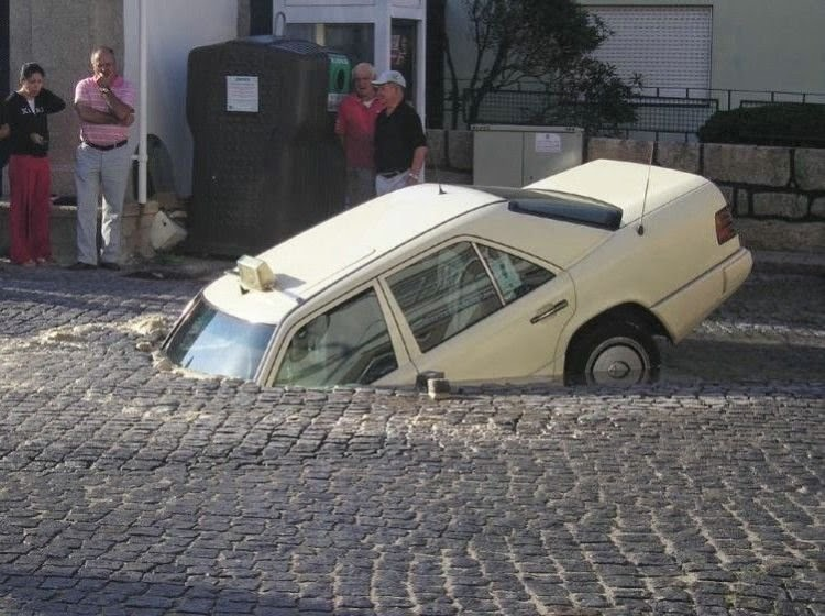Car Accidents, Funny pictures, Unbelievable, Weird, ΑΣΤΕΙΕΣ ΕΙΚΟΝΕΣ, ΠΑΡΑΞΕΝΑ,