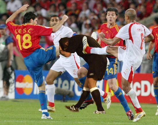 Keong Sawah Blog: foto-foto lucu saat sepak bola