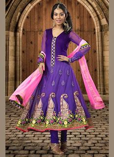 Celebrities+in+Indian+Designers+Anarkali+Salwar+Suits+2013006