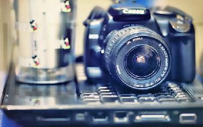Ordenador y cámara digital