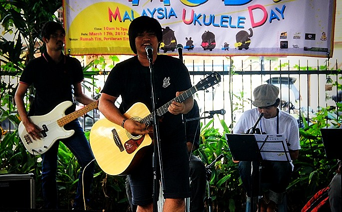 ukulele day malaysia 2012 pictures the D.I.A