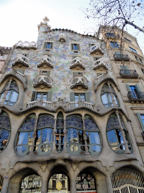 Kids artists flamingo in art nouveau style - Art nouveau architecture de barcelone revisitee ...