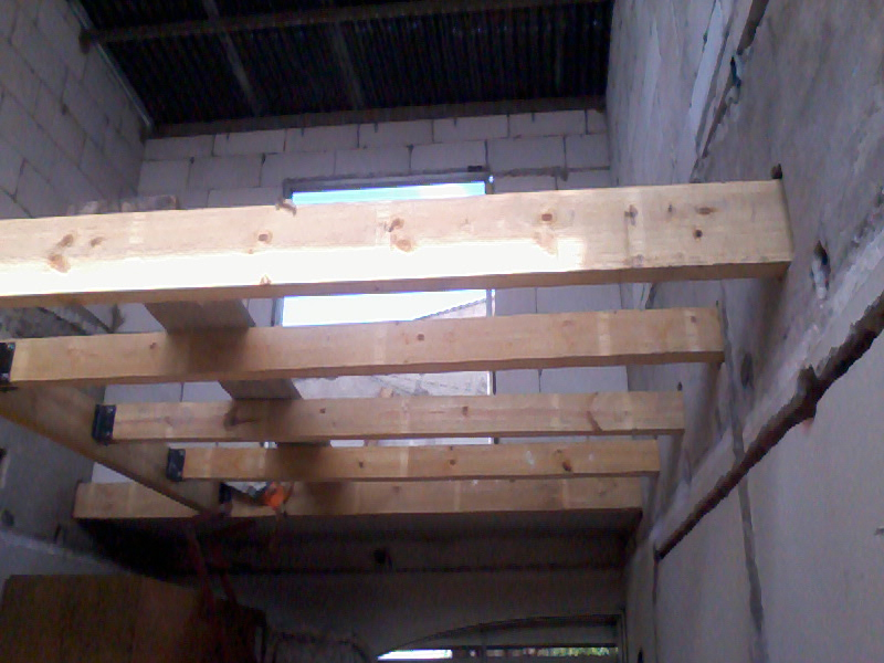 Planos proyectos y construcci n en paran remodelaci n y for Escalera de madera para entrepiso