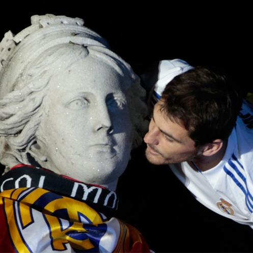 Iker Casillas beso Cibeles