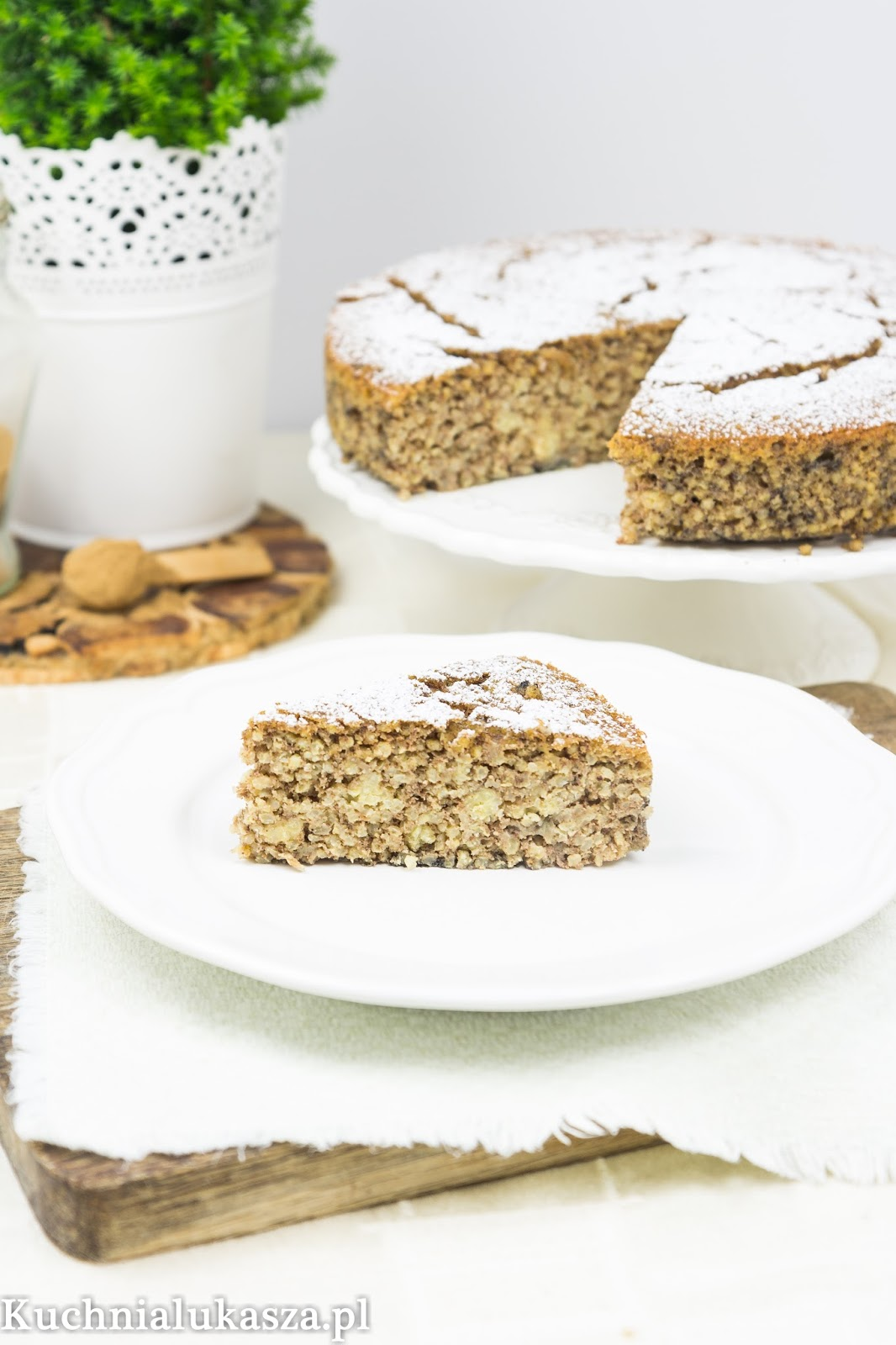 Korzenne ciasto jaglane bez cukru i mąki