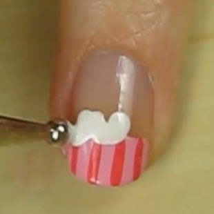How-to-Make-Cupcake-Nail-Art