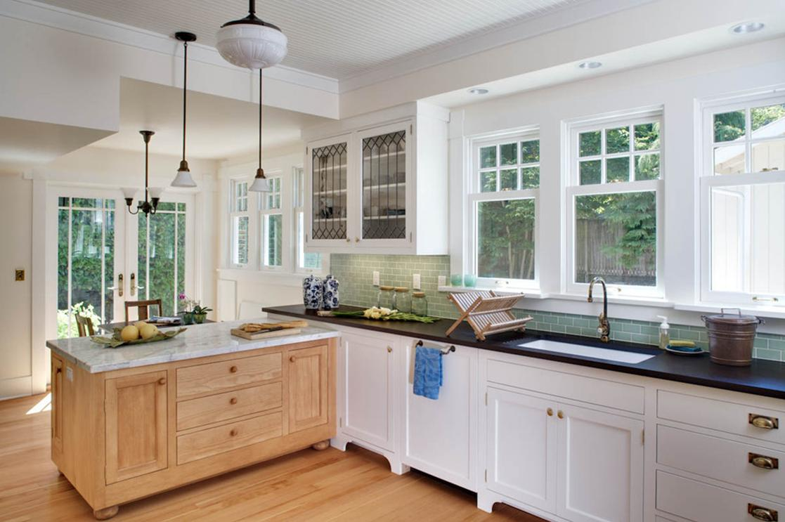 Delorme designs white craftsman style kitchens for Kitchen ideaa