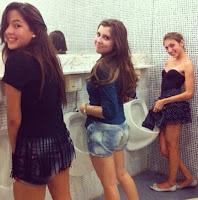 Orgia Das Três Amigas No Banheiro Do Colégio Localizado No Centro De São Paulo