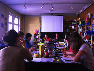 http://amnesty-luxembourg-photos.blogspot.com/2012/05/conference-de-presse-lancement-rapport.html