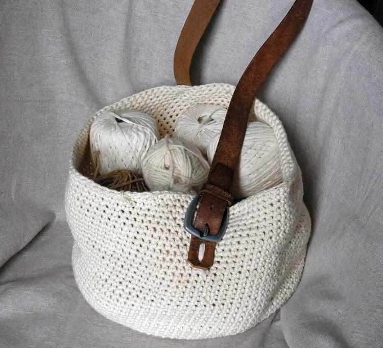 Dans les tiroirs crochet et recyclage le sac et son tuto for Une hirondelle dans les tiroirs