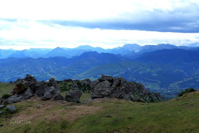 Amieva y Ponga desde La Sierra del Sueve