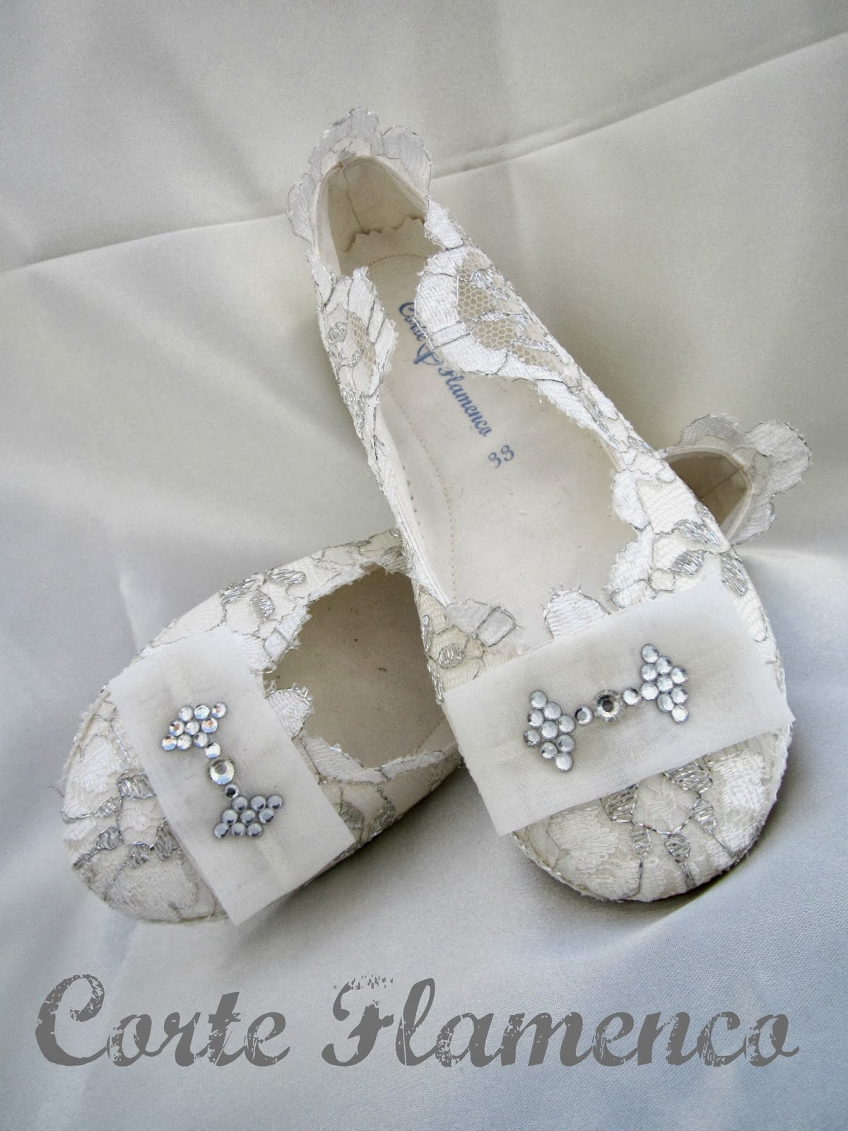 Novedades en zapatos peinados maquillaje vestidos - Ideas para decorar zapatos de nina ...