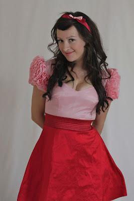 Julia Bobbin, rose sleeves