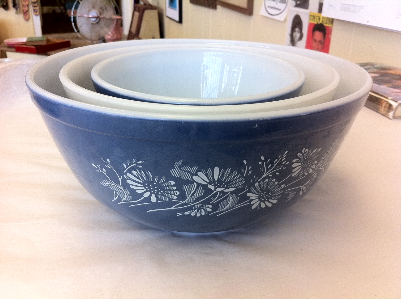 Lost & Found ~ Marblehead, MA: Set Of 3 Blue Vintage Pyrex Nesting ...