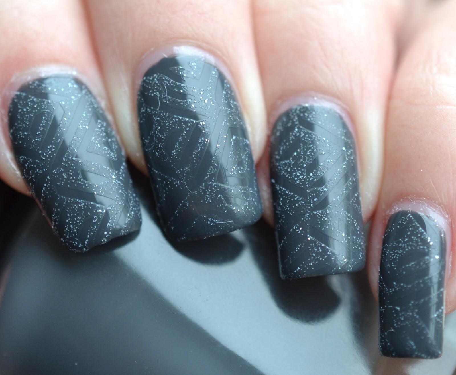 http://lenas-sofa.blogspot.de/2015/02/sally-hansen-complete-salon-manicure.html